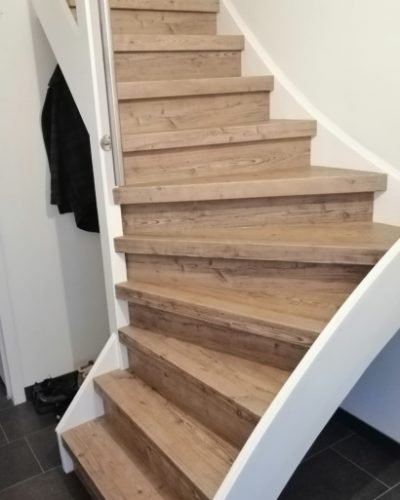 Massief houten traptreden